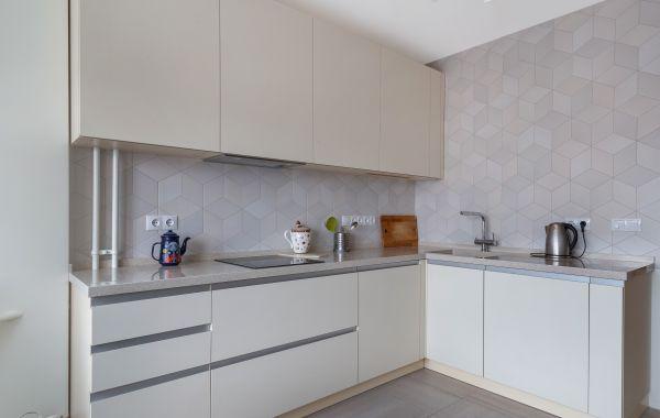 Кухня СУ811 Акрил-5 матовый / Шпон ясеня Т221Г