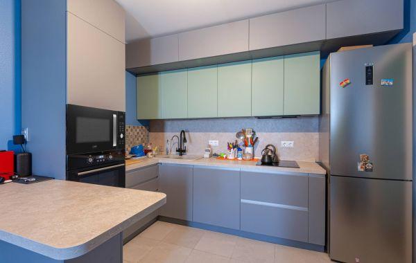 Кухня АМ460 Антрес Акрил мат Серый / шн 720 ПВХ Система Мятный СОФТтач