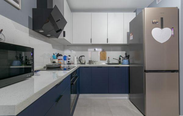 Кухня ПИ1035 Комби/Акрил-5 матовый Белый/Акрил-8 Синий