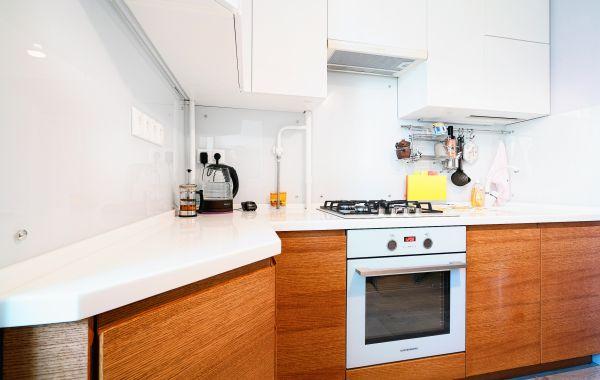 Кухня ЗОВ заказ БА845 Эмаль Ral 9003/Шпон дуба Т422 цв. 188