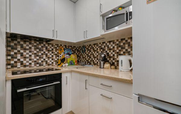 Кухня ВП749 RAL 9016 глянец