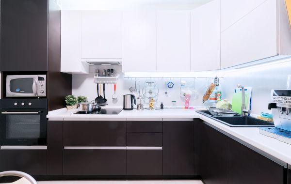 Кухни ЗОВ заказ ВШ473 Ясень шпон №1 Т221 RAL9016/№2 Т221 RAL8019