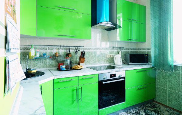 Кухни ЗОВ заказ МИ383 ПОСТ-3 Зелёный с кромкой карбета