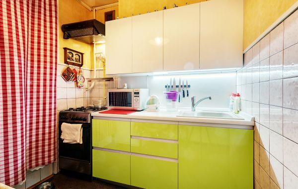 Кухни ЗОВ заказ СУ682 Белый индустриальный GLS/Лайм GLS